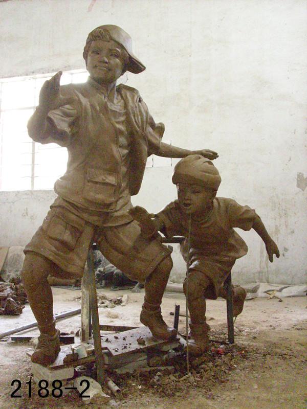 人物雕塑一种充满人文气息的艺术作品
